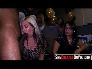 29 strippers sendo sugados e fodidos na orgia cfnm 24