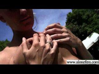 menina sexy masturbando com coisas video 04