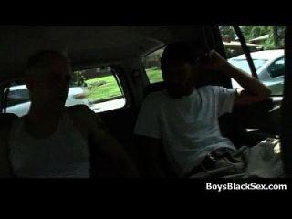 meninos brancos fodidos por gajos negros 07