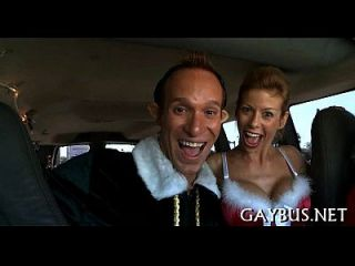 Meninos homossexuais com dança anal