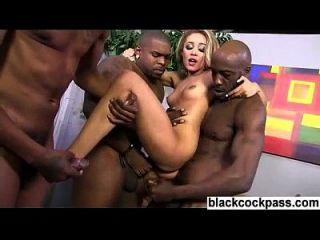 merda anal brutal interracial gangbang dp