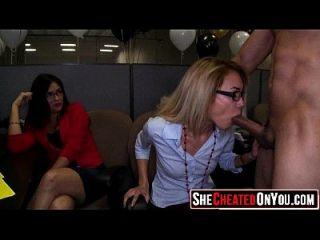 31 incríveis! strippers ficando sugado e fodido na orgia cfnm 27