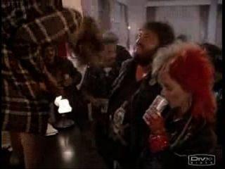 nerdy girl fica nua em uma festa
