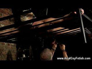 incrível cena gay enquadrada por toda parte, puxada e sugada, drenada com um