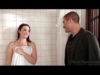 namorado irmão foda irmã mais velha no chuveiro