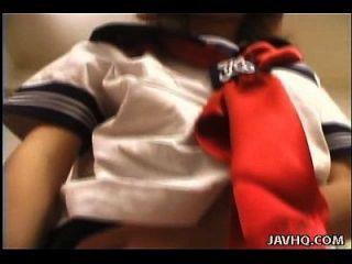 Senhora japonesa atraente que pega aquela boceta peluda fodida por seu homem