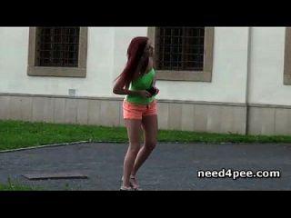 garotas adolescentes gostosas que precisam de pissing em público