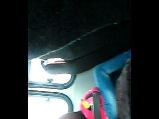 pau de flash no ônibus