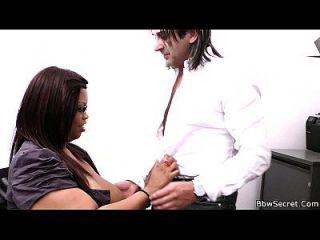 Enganando esposa com o secretário de ebony bbw