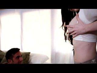 A estudante sexy kendall karson é uma merda e monta um grande galo eroticvideoshd.com