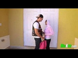 mia khalifa e sua mãe se juntam no bf 2 91