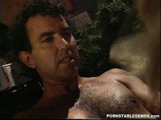 Hot Classic porn star ass fodido em três andares