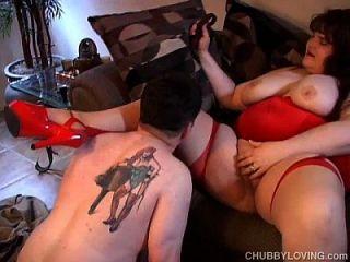 grande busty senhora de vermelho gosta de foder