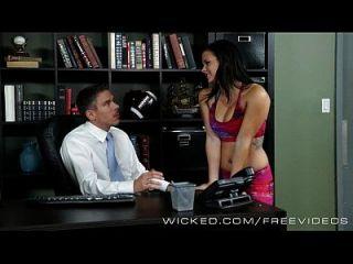 A maus secretárias keisha grey fica batalhada por seu chefe