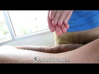 hd manroyale twink é fodido por sexy tatuado