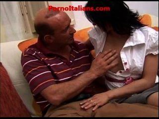 incesto italiano cazzo maturo scopa ragazza vogliosa di sesso pornô italiano