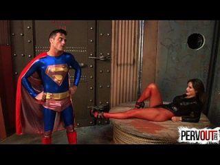 sedução escraviza superman