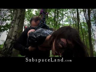 exploração de dia inteiro do escravo de látex sexy julie jodar