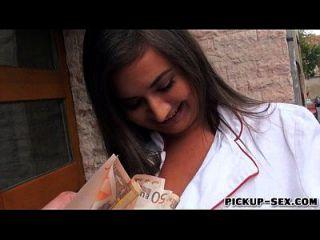 linda amadora espanhola chef latoya analisada por dinheiro