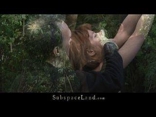 lora reprimida na floresta por ter sido espancada e fodida