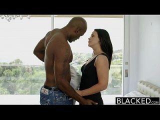 Blacky Hot Babe Roxy raye fica com a bunda esticada pela bbc