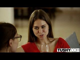 Tushy riley reid primeira dupla penetração
