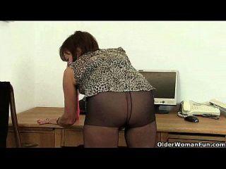 imagine ela fazendo isso no escritório