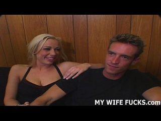 assista sua esposa quente é fodida por um novo cara todos os dias