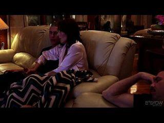 casey calvert fica assalpado por seu meio-irmão em casa, cena # 03