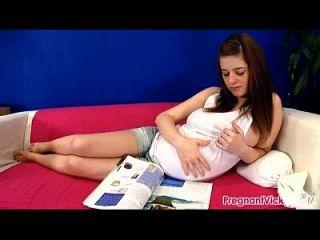 Vicky grávida de pregnantvicky.com # 09