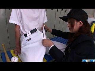miku airi, estudante asiática sopra uma grande dick