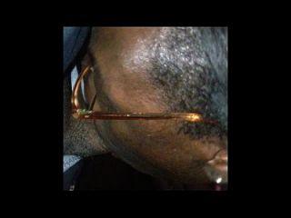 Africano com donk suga foda e toma facial