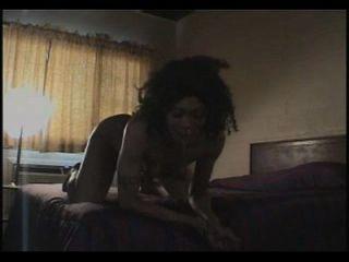 Ebony girl vom puppe vomitando vomitando mordaça