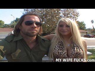 sua esposa não pode esperar para ser fodida por pornstars