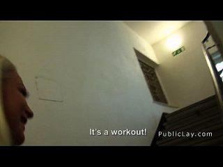 estudante húngaro loiro fode dinheiro