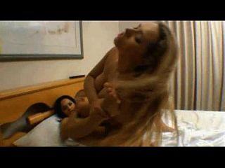 angel lima fudendo com outra lésbica.