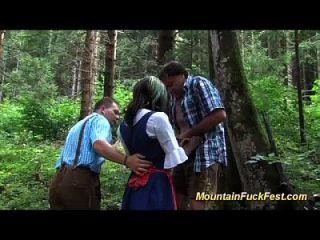 trio de montanha com magro preto