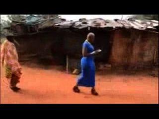 meninas africanas obtiveram grande botina natural na África