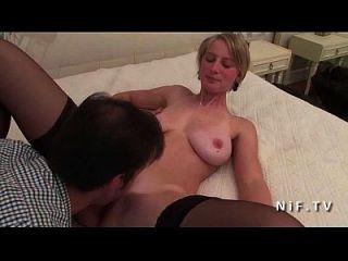 lindo amador grande boobed francês loira babe em meias hard anal fodido