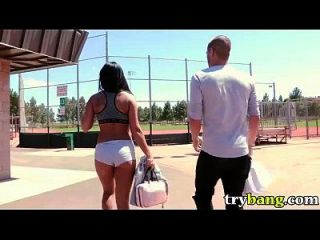 gianna nicole joga bola no parque em bang public hard porn