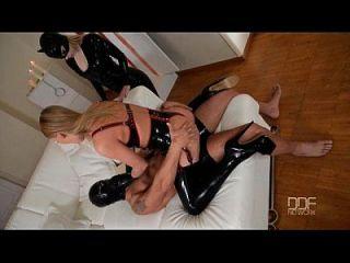 latex femdom goza de show de sexo anal com starlight russian lucy heart