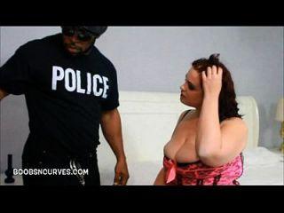 Babe gordinha quebrada por um policial com uma bbc