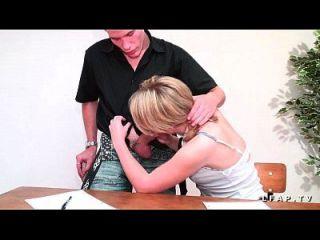 petite étudiante française se fait prendre em dupla penetração par ses copains