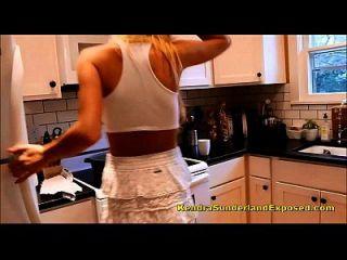 Kendra Sunderland marca nova lubrificação na cozinha