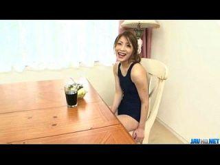 aventura oral em casa ao longo do jovem yuu mahiru