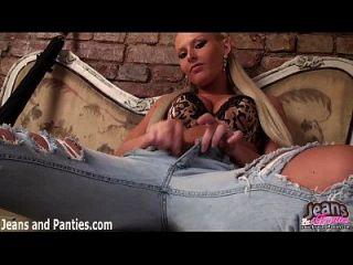 Eu amo como minhas calças olham o topo do meu jeans