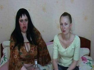 garotas sexy vomitam vomitam vomitando vomitando amordaçando