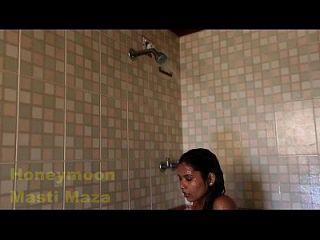 Indiano delhi bhabhi video de sexo quente no chuveiro mamas grandes