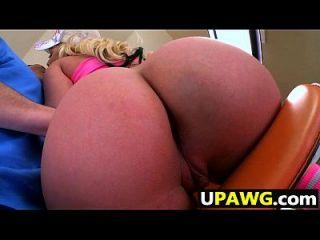 Alexis Monroe ass é tão bom e grande para uma garota branca