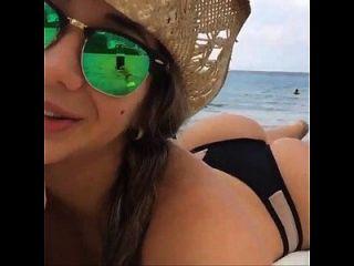 pendeja argentina tomando sol